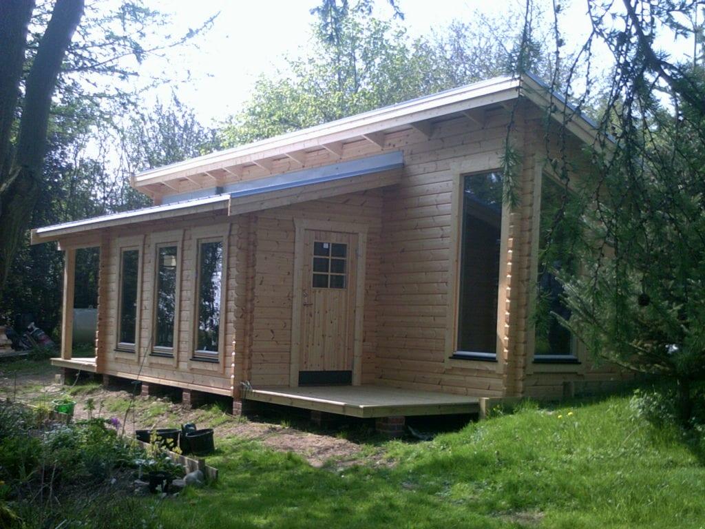 """log cabin annexe"""