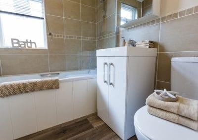 Navigator Bathroom (2)