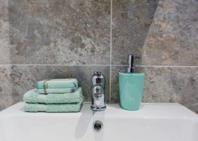 Seascape Bathroom 01