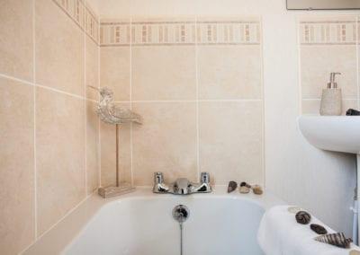 06 Minuet Bathroom
